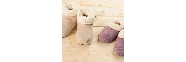 Waermeschuhe-Slippies-Boots